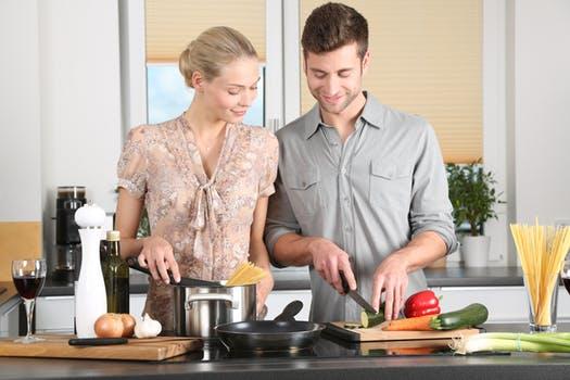 Vær kreative i køkkenet sammen, med en måltidskasse til 2 personer